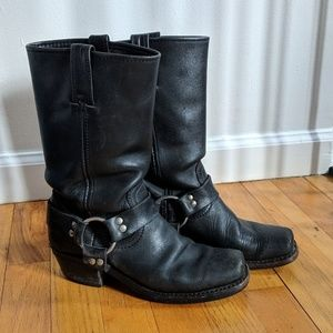 Used Frye Harness black boots 6 M